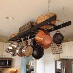 Нестандартна употреба на старата стълба в кухнята2