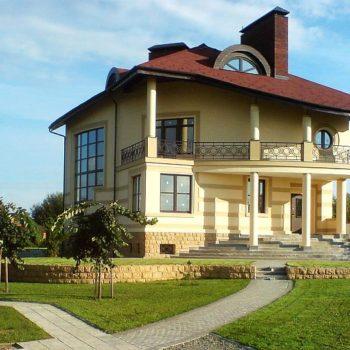 Проект на луксозна къща с приземен етаж и мансарда