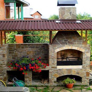 Идеи за градината – пещ и барбекю от камък