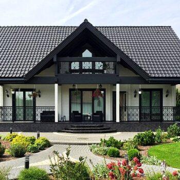 Krásný dřevěný dům s podkrovím a pěti ložnicemi